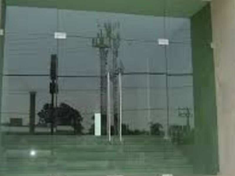 Fábrica de ventanas en cristal templado