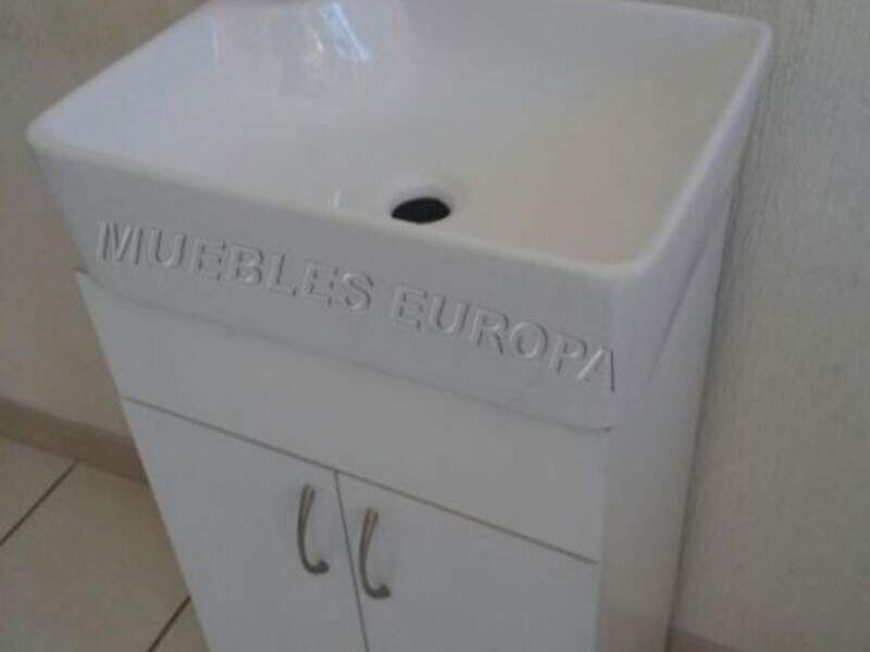 MUEBLES CHICOS