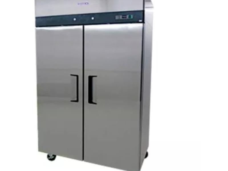 Refrigeradores Verticales Sobrinox RVS-235-S