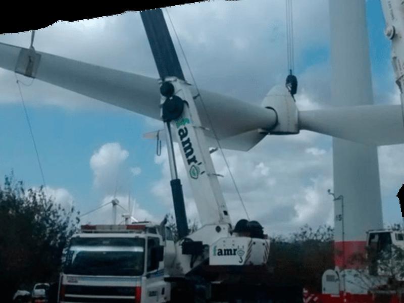 Grúa hidráulica de 90 toneladas