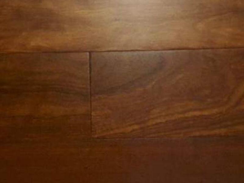 Piso de madera de Chechen